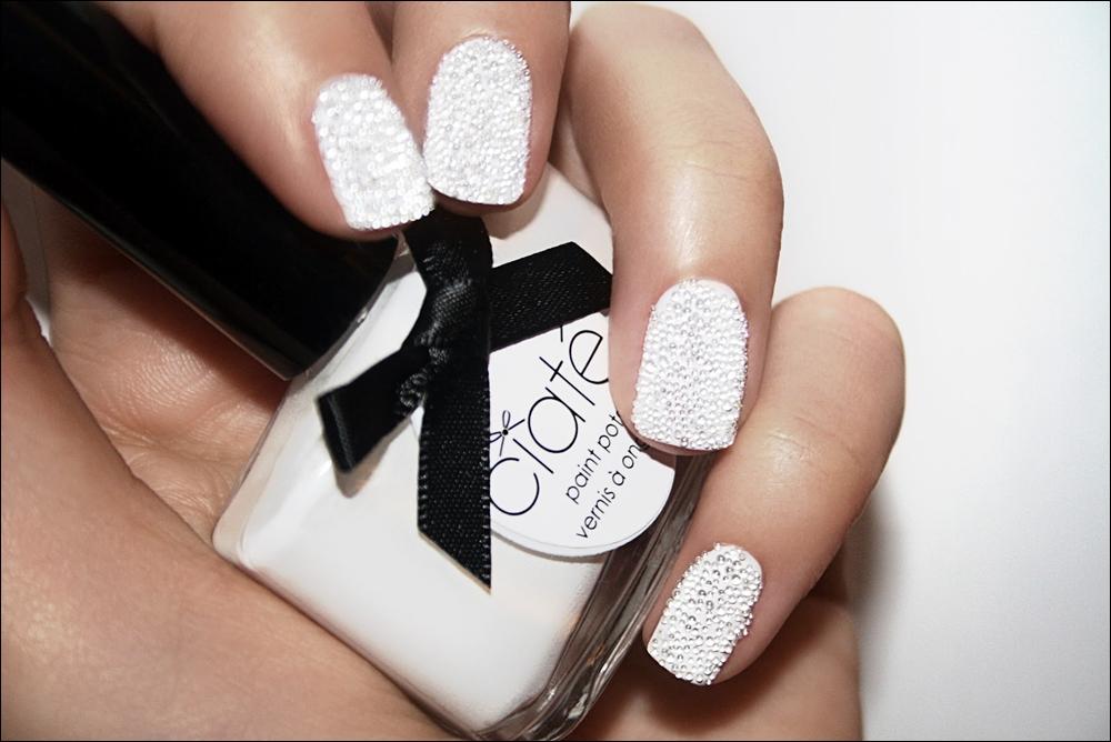 White Nail polish trend | valentinewitmeur
