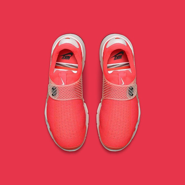 nike-lab-sock-dart-infrared-02